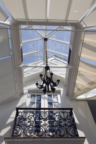 raised lantern roof