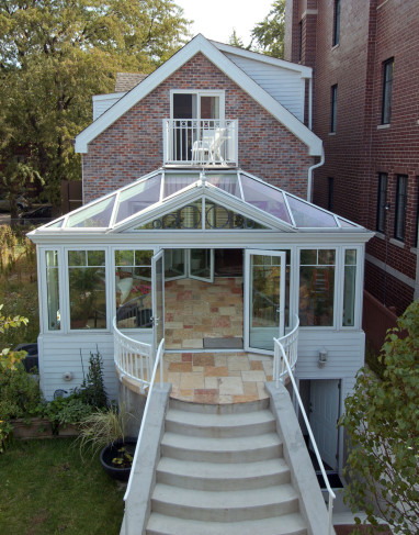 conservatory with balcony