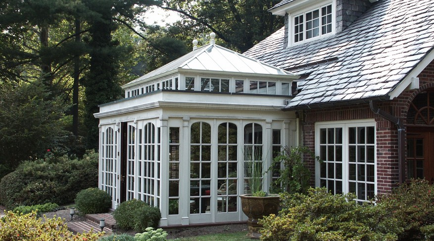 orangery with curved windows